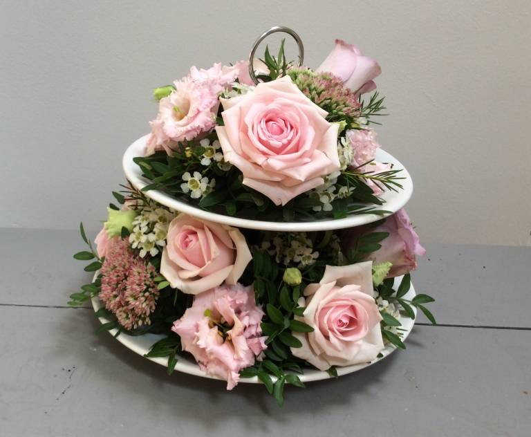 Flowers on a Cake stand Workshop