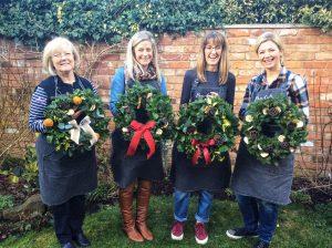 Make A Xmas Door Wreath